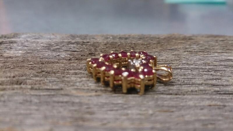 Saphire/Ruby Gold-Diamond reversible pendant