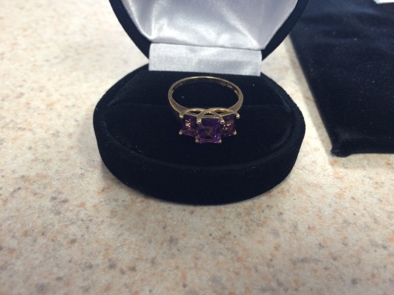 Purple Stone Lady's Stone Ring 10K Yellow Gold 1.2dwt