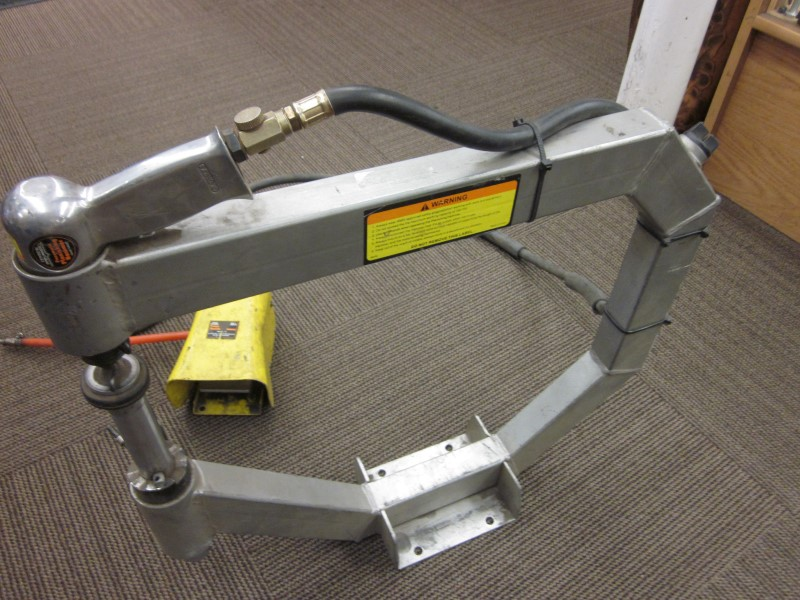 CENTRAL PNEUMATIC 94847 PNEUMATIC PLANISHING HAMMER **NO STAND**