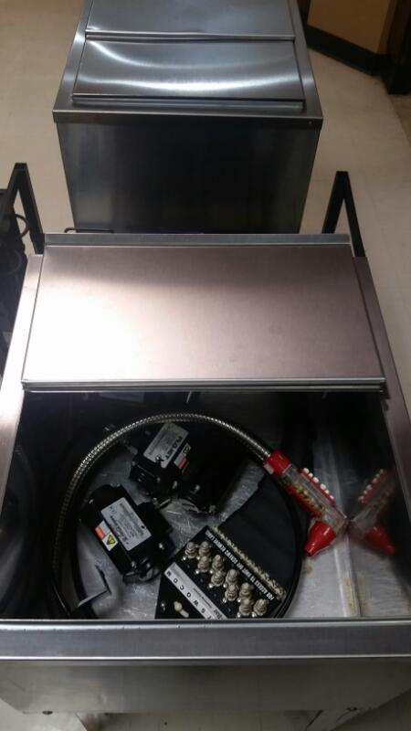 Ice Bin FS24239 S with Soda Connectors