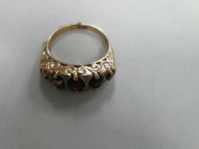 Synthetic Purple Stone Lady's Stone Ring 14K Yellow Gold 2.6dwt