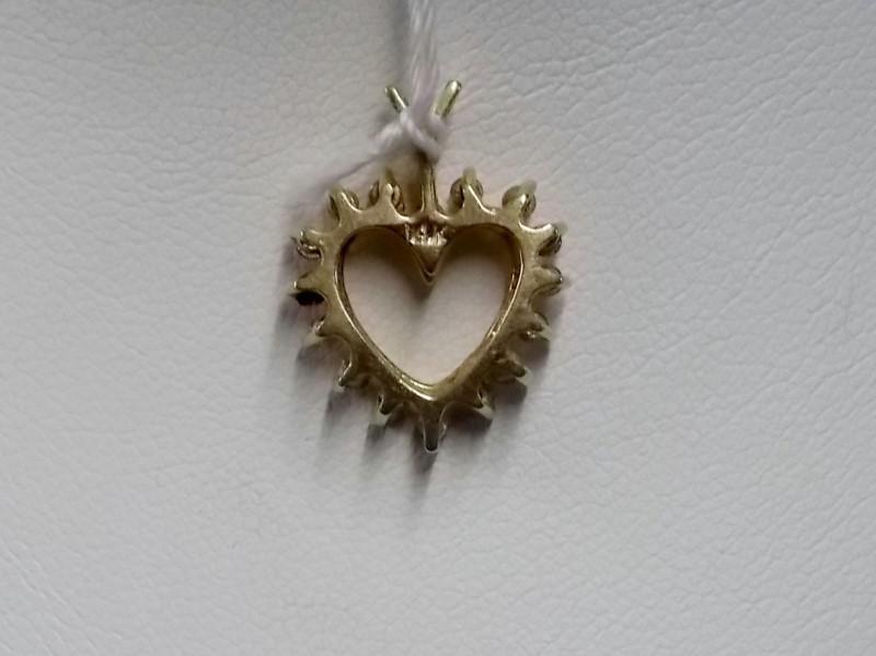Gold-Multi-Diamond Pendant 16 Diamonds .16 Carat T.W. 14K Yellow Gold 0.78dwt