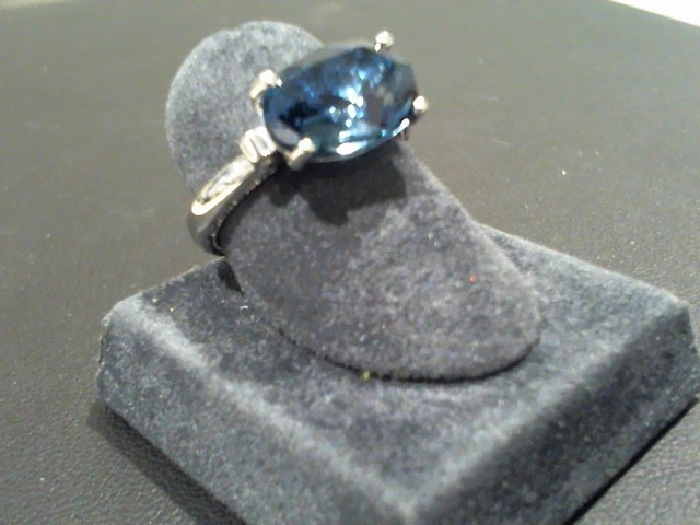 Lady's Silver Ring 925 Silver 4.6g