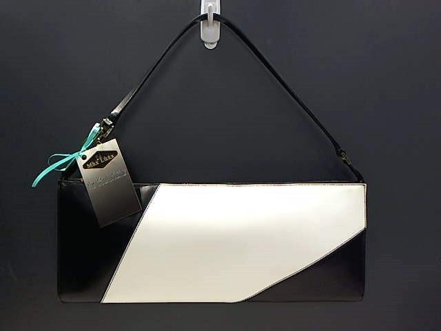 SALVATORE FERRAGAMO WHITE/BLACK SHOULDER BAG