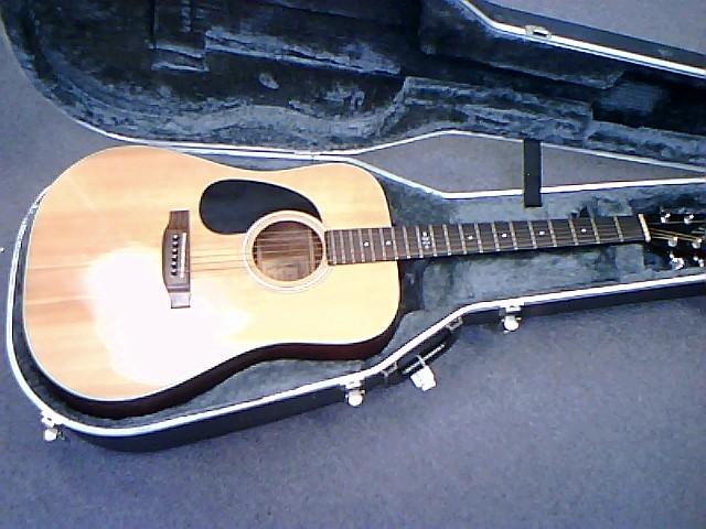 ALVAREZ GUITAR DY-38 YAIRI DREAD