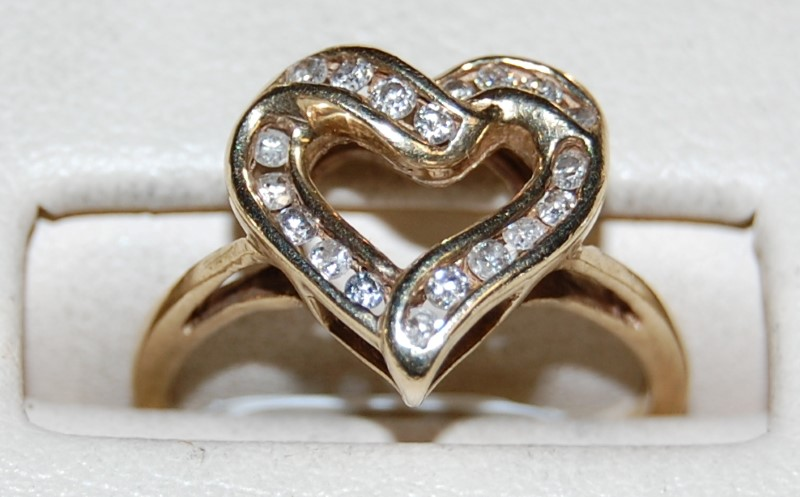 10K Yellow Gold Lady's Diamond Heart Ring 2.4G 0.38CTW Size 6