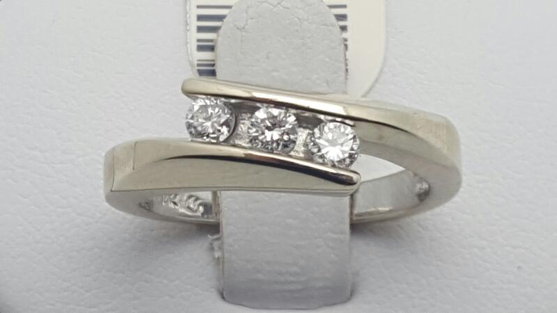Lady's Diamond Wedding Band 3 Diamonds .33 Carat T.W. 14K White Gold 4.8g