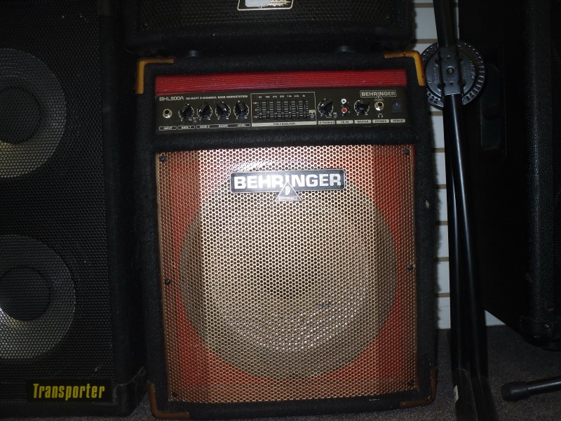behringer bass guitar amp bxl900a very good buya. Black Bedroom Furniture Sets. Home Design Ideas