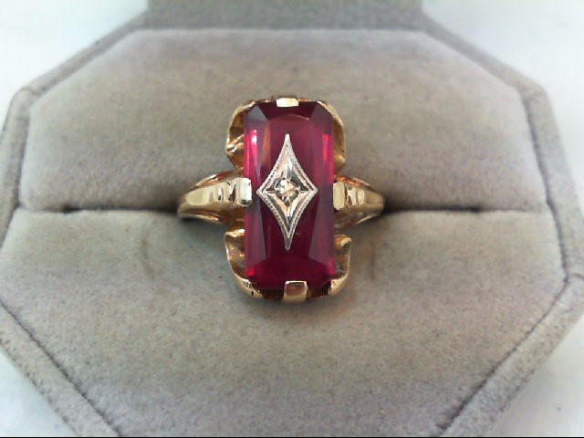 Lady's Diamond Fashion Ring .01 CT. 10K Yellow Gold 5.5g