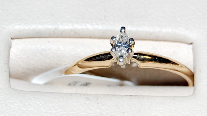 14K Yellow Gold Lady's Diamond Engagement Ring 1.4G 1/6CT Size 5.75