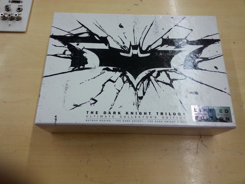 WARNER BROTHERS Blu-Ray THE DARK KNIGHT TRILOGY COLLECTORS EDITION