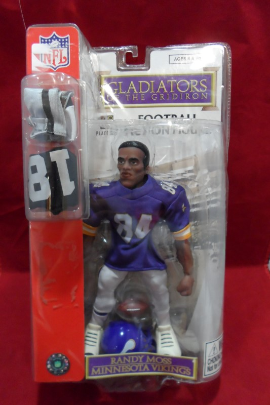 GLADIATORS OF THE GRIDIRON Sports Memorabilia FOOTBALL ACTION FIGURE