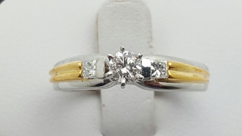 Lady's Platinum-Diamond Wedding Band 3 Diamonds .36 Carat T.W. 950 Platinum 8g