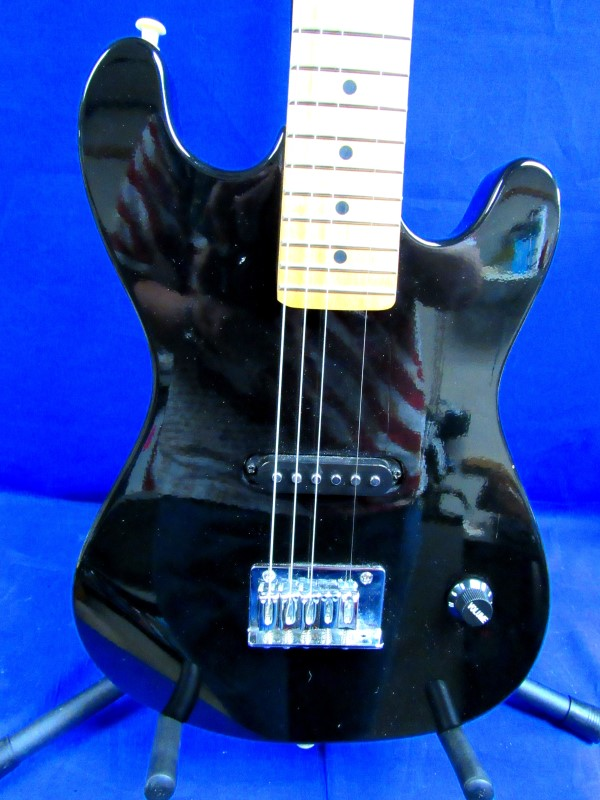 AUDIO SOLUTIONS ELECTRIC GUITAR