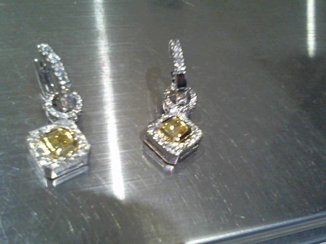 Gold Earrings 18K 2 Tone Gold 10.4g