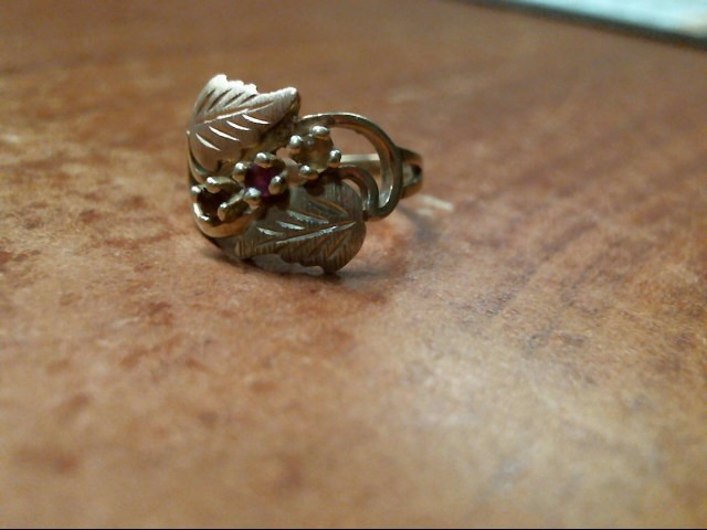 Lady's Gold Ring 10K Yellow Gold 2.3g