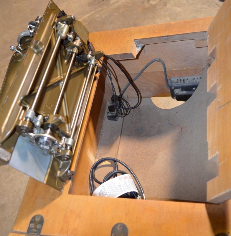 WESTINGHOUSE Sewing Machine NA