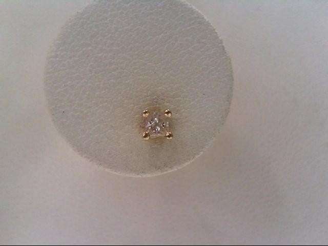 Gold-Diamond Earrings .15 CT. 10K Yellow Gold 0.3g