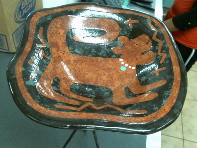 RS 99 CHIP BOWL WITH STAND, BROWN BLACK WHITE AND GREEN DOG DESIGN