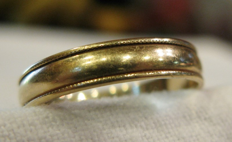 14K Yellow Gold BAND WITH BRAIDED EDGE 1.51dwt Size:8.5