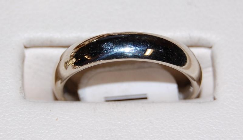 14K White Gold Lady's Wedding Band 4.8G Size 6.25