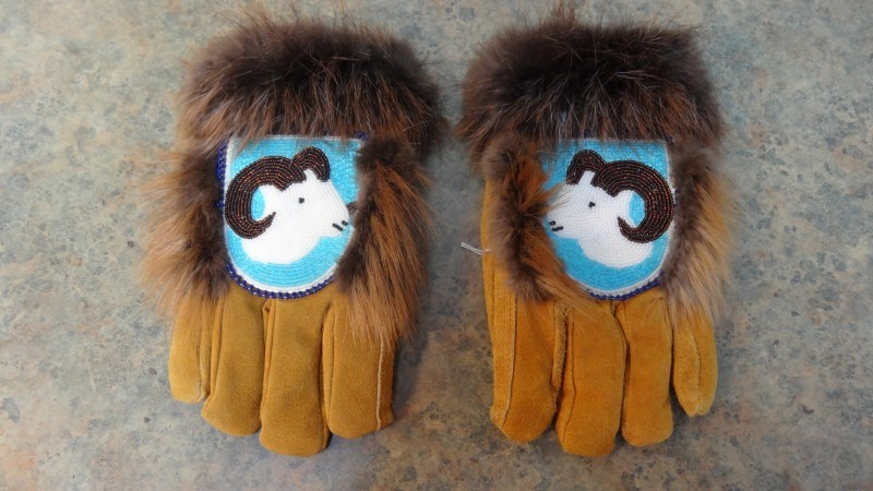NATIVE WEAR Men's Clothing CEREMONY GLOVES