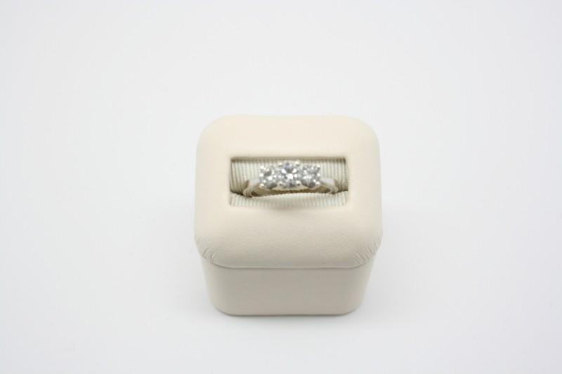 PAST,PRESENT&FUTURE DIAMOND RING