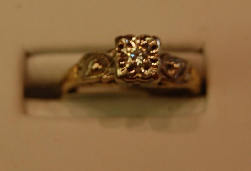 Lady's Diamond Engagement Ring .08 CT. 14K Yellow Gold 2.2g