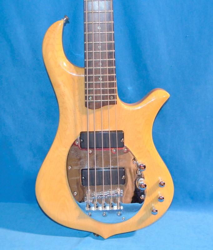 TRABEN Bass Guitar NEO LIMITED