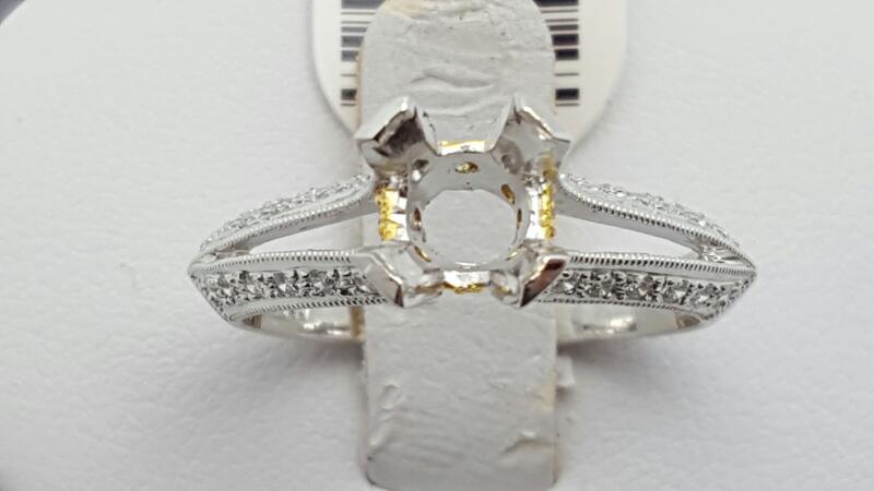Lady's Diamond Engagement Ring 28 Diamonds .28 Carat T.W. 18K 2 Tone Gold 3.8g