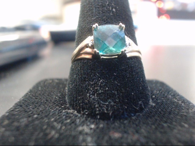 Synthetic Green Stone Lady's Stone Ring 10K Yellow Gold 1.7g