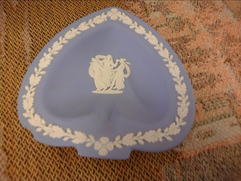 MISC COLLECTIBLES MISC USED MERCH MISC USED MERCH WEDGEWOOD JASPERWARE; THREE JA