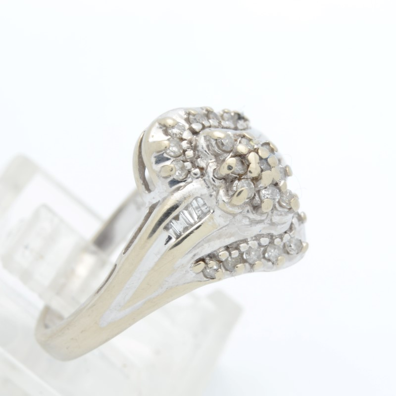 ESTATE DIAMOND CLUSTER RING SOLID 10K WHITE GOLD COCKTAIL SIZE 7
