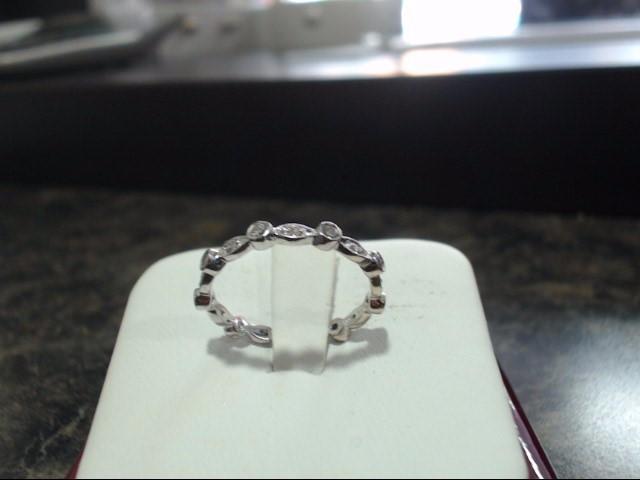 Lady's Gold Ring 14K White Gold 1.7g