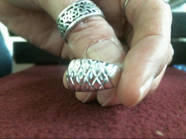 Lady's Gold Ring 14K White Gold 3.8dwt Size:8