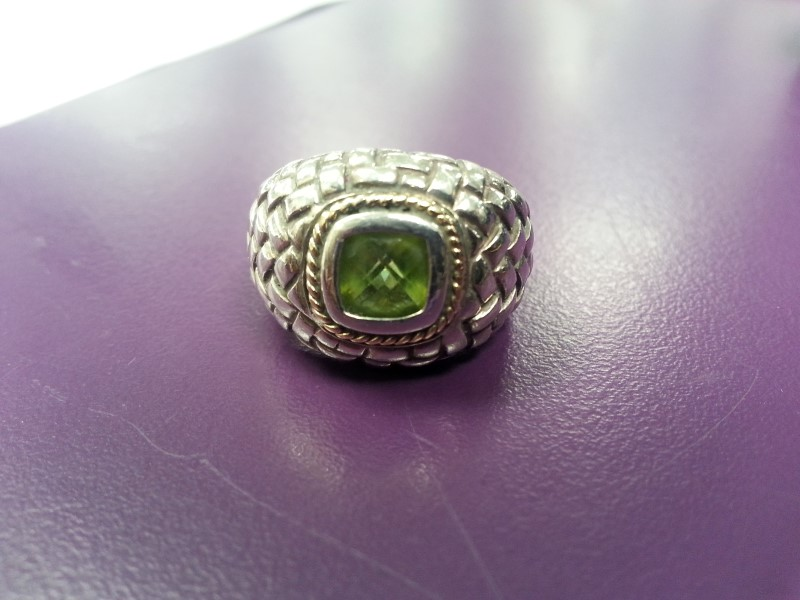 Green Stone Lady's Silver & Stone Ring 925 Silver 6.6g