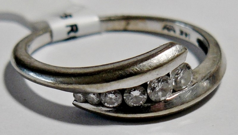 Lady's Diamond Fashion Ring 6 Diamonds .29 Carat T.W. 14K White Gold 1.79dwt