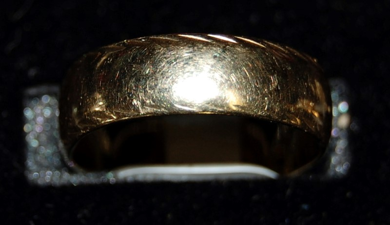 10K Yellow Gold Gent's Wedding Band 3.9G Size 7.75
