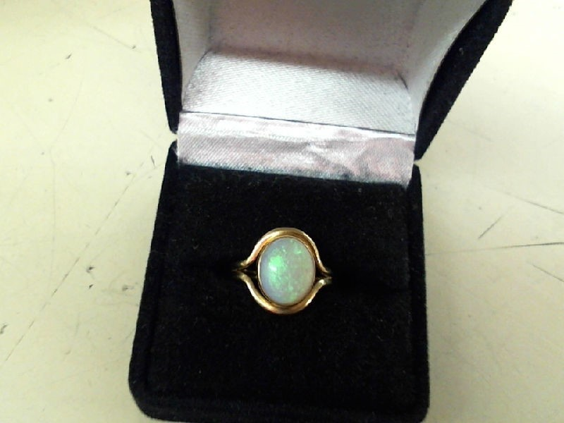 Opal Lady's Stone Ring 14K Yellow Gold 2.4g