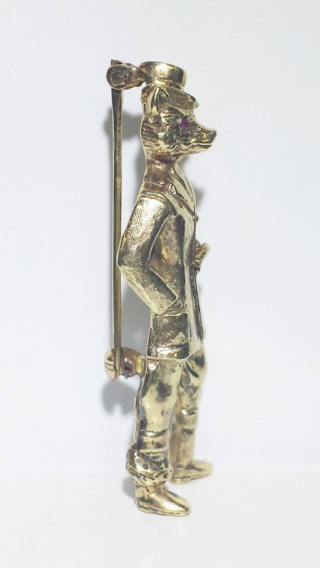 Sir Finn the Fox 14k Gold Suit Pin with Ruby Eyes