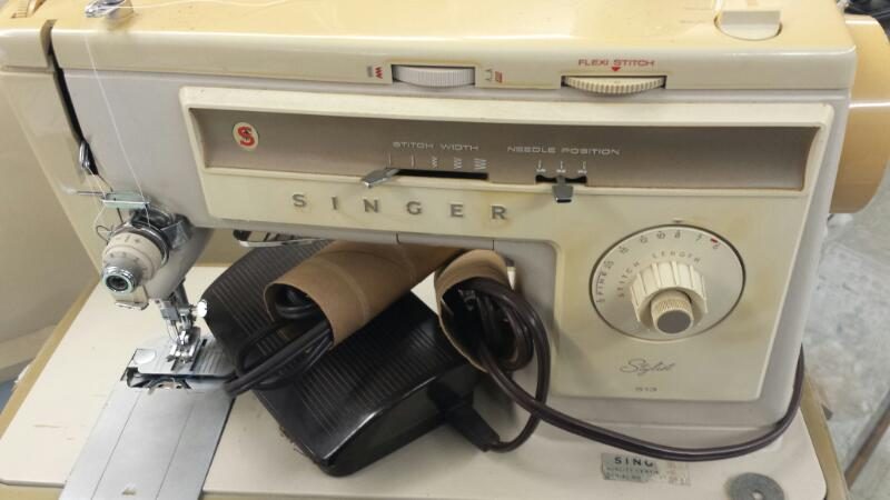 SINGER Sewing Machine STYLIST
