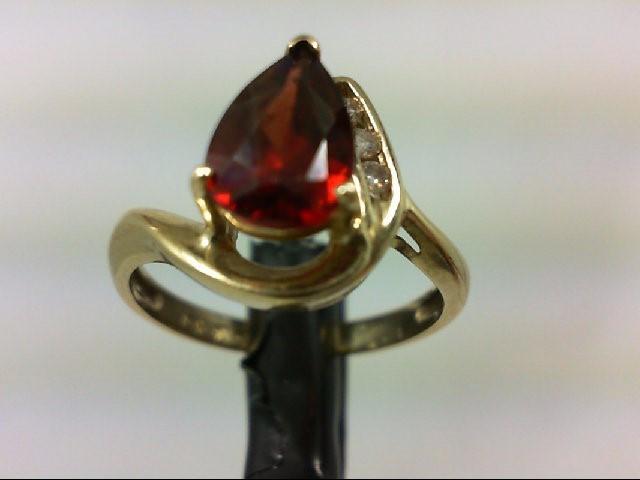 Almandite Garnet Lady's Stone & Diamond Ring 3 Diamonds 0.09 Carat T.W. 10K Yell