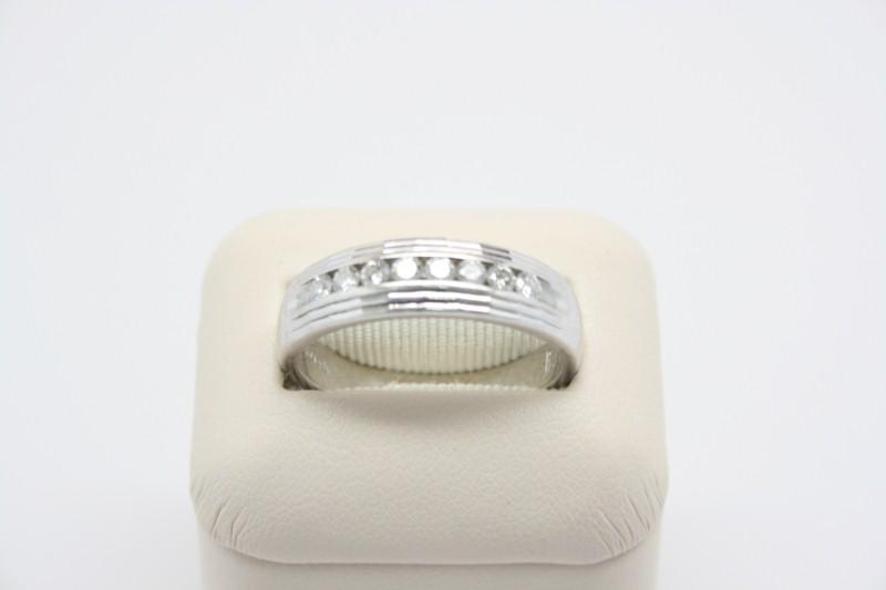 GENT'S DIAMOND WEDDING BAND 14K WG