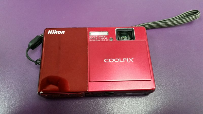 NIKON COOLPIX S70 RED DIGITAL CAMERA