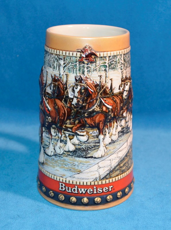 1988 BUDWEISER HOLIDAY BEER STEIN COLLECTOR'S SERIES CHRISTMAS CLYDESDALES