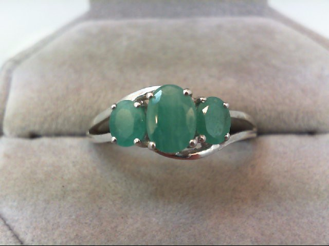 Emerald Lady's Silver & Stone Ring 925 Silver 1.9g