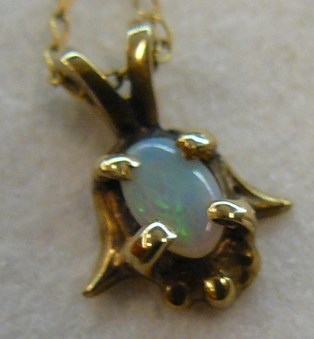 Opal Stone Necklace 10K Yellow Gold 0.7dwt