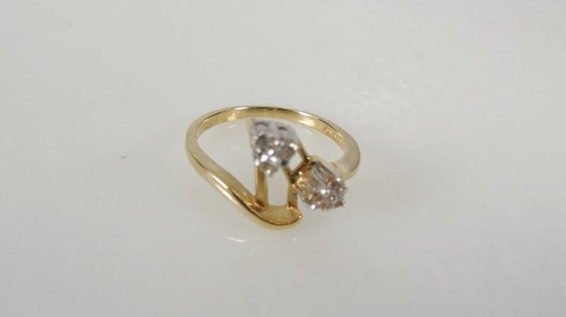 Lady's Diamond Cluster Ring 6 Diamonds .12 Carat T.W. 10K Yellow Gold 2.2g