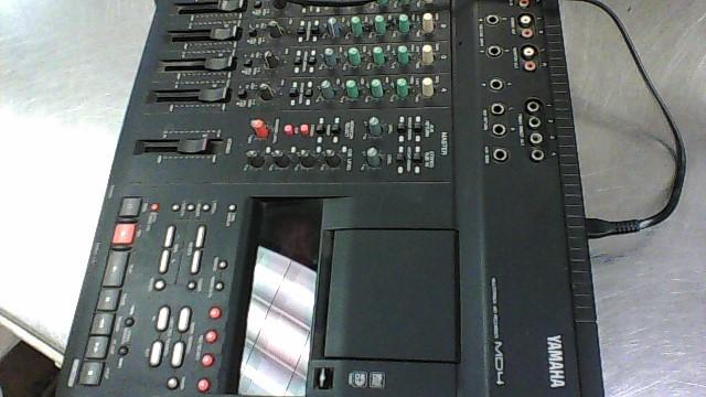 YAMAHA MULTI-TRACK RECORDER MD4