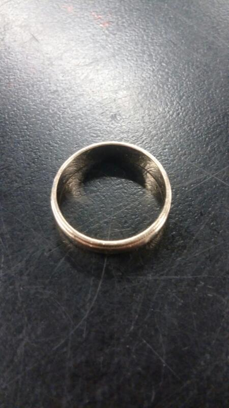 Gent's COIN EDGE Gold Ring 10K Yellow Gold 1.5dwt Size:6